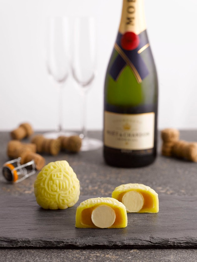 Szechuan Court_Snowskin Mooncake_Champagne - Review by Gourmet Adventures