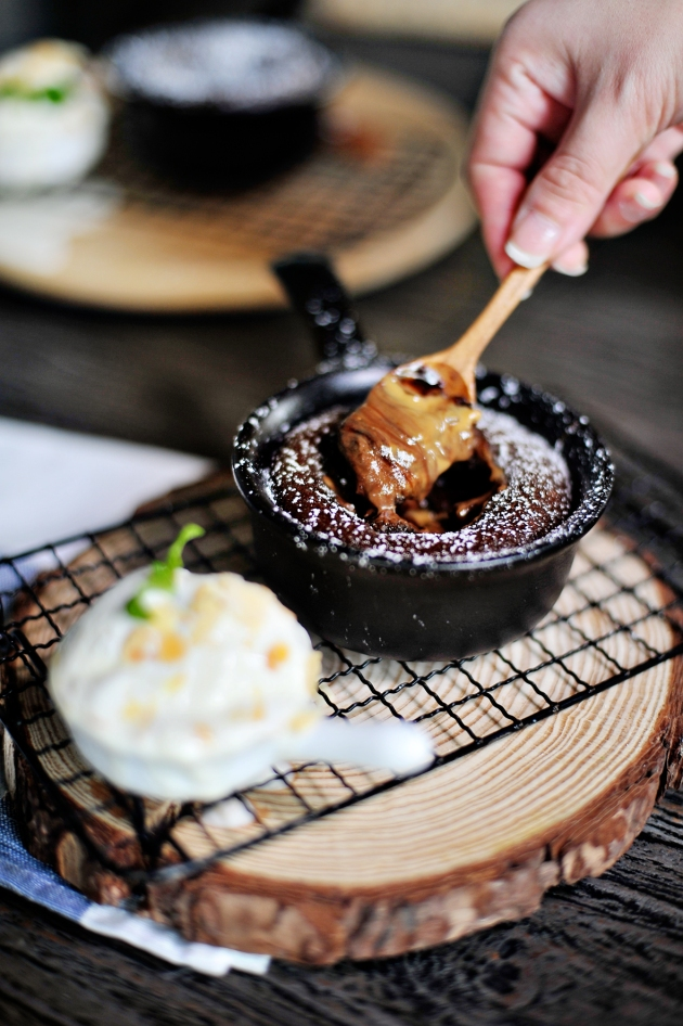 East 8 New York Fusion Tapas + Bar - Peanut Butter Chocolate Molten Lava Cake (Close Up) - Review by Gourmet Adventures