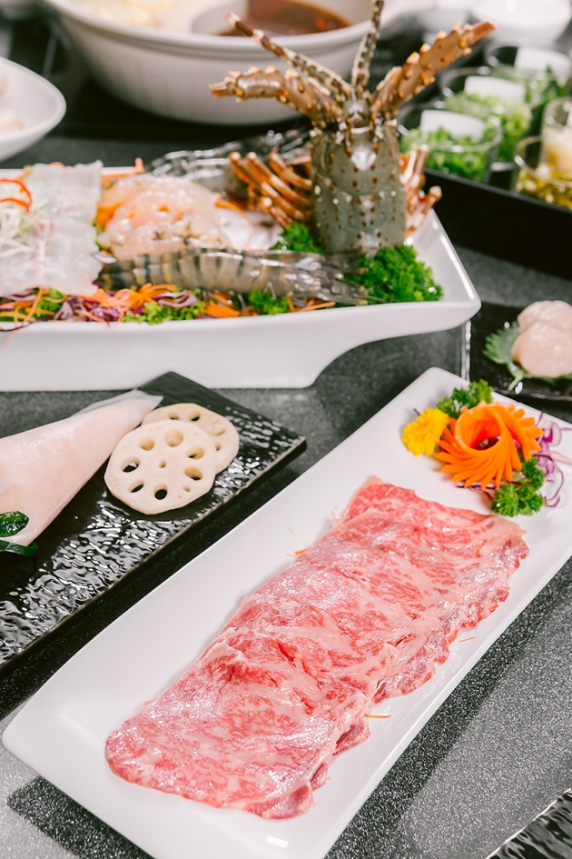 Hotpot Kingdom Marina Bay Sands - Sliced Japanese Wagyu Beef - Review by Gourmet Adventures