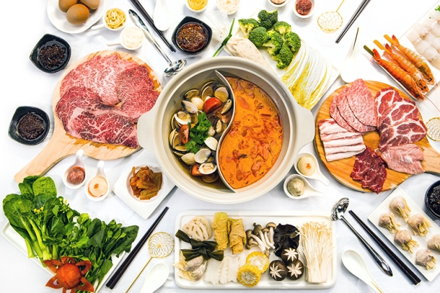 Hotpot Kingdom Marina Bay Sands - Table Full View - Review by Gourmet Adventures