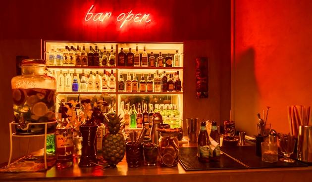 Aloha Poke Tiki Bar - Review by Gourmet Adventures