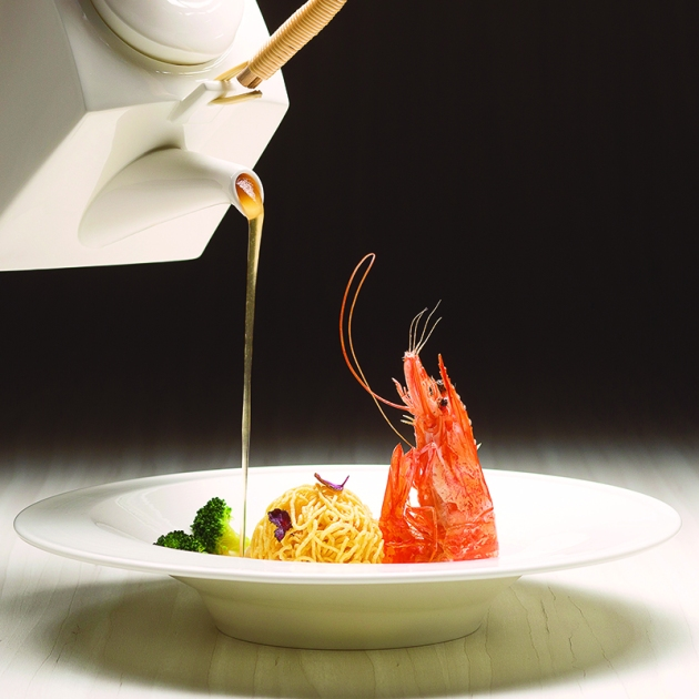 Yan Cantonese Restaurant, National Gallery Singapore - Fried live prawns with crispy noodle ball - Review by Gourmet Adventures