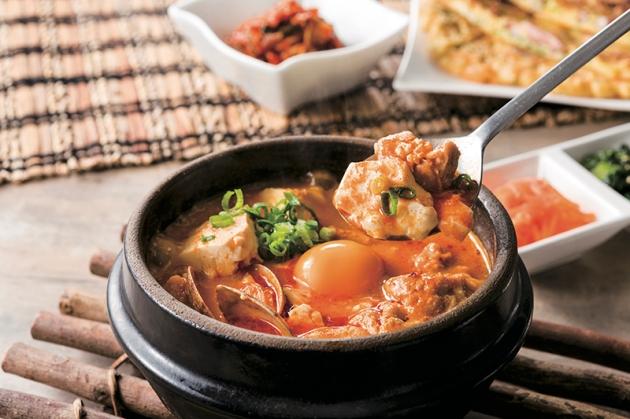 Tokyo Sundubu - Chicken Sundubu - Review by Gourmet Adventures