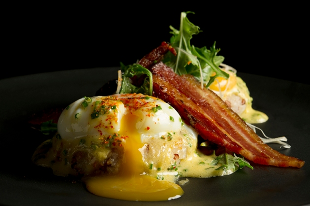Adrift Eggs Benedict - Sunday Brunch - Adrift by David Myers - Review by Gourmet Adventures
