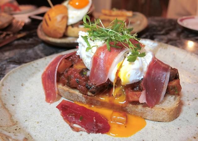 Bochinche Weekend Brunch - Mushroom Ragout, Sourdough Toast - Review by Gourmet Adventures