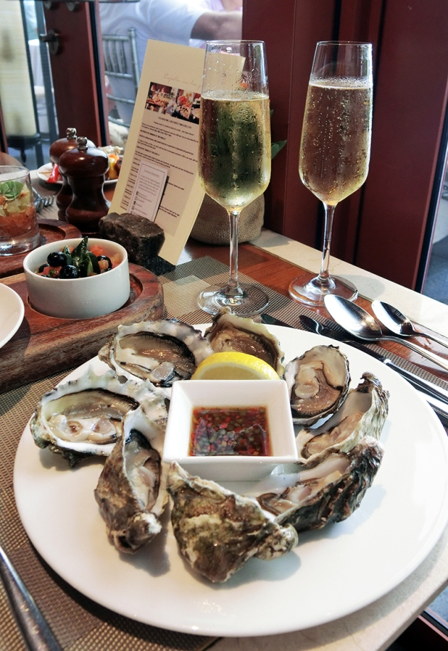 Capella Singapore Sunday Brunch - Oysters & Tattinger Champagne - Review by Gourmet Adventures