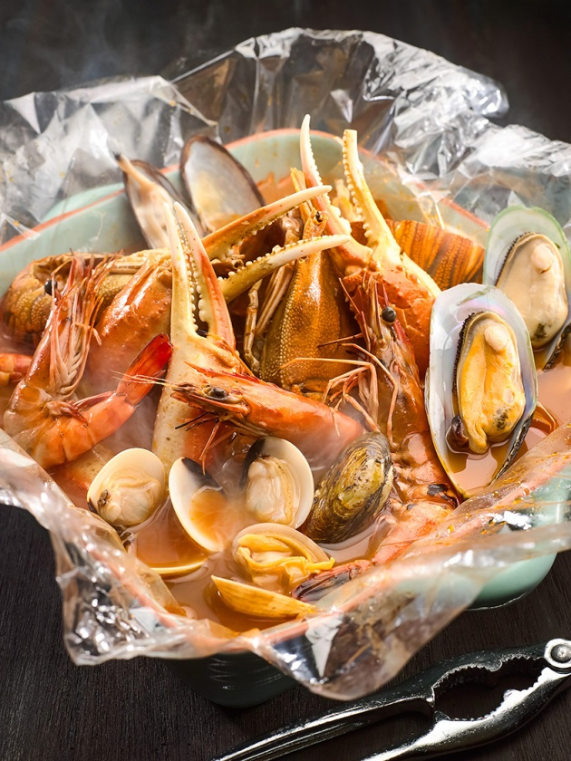 Greg's Seafood Shack by Park Hotel Group - Seafood 1kg bag with Kimchi Broth - Review by Gourmet Adventures