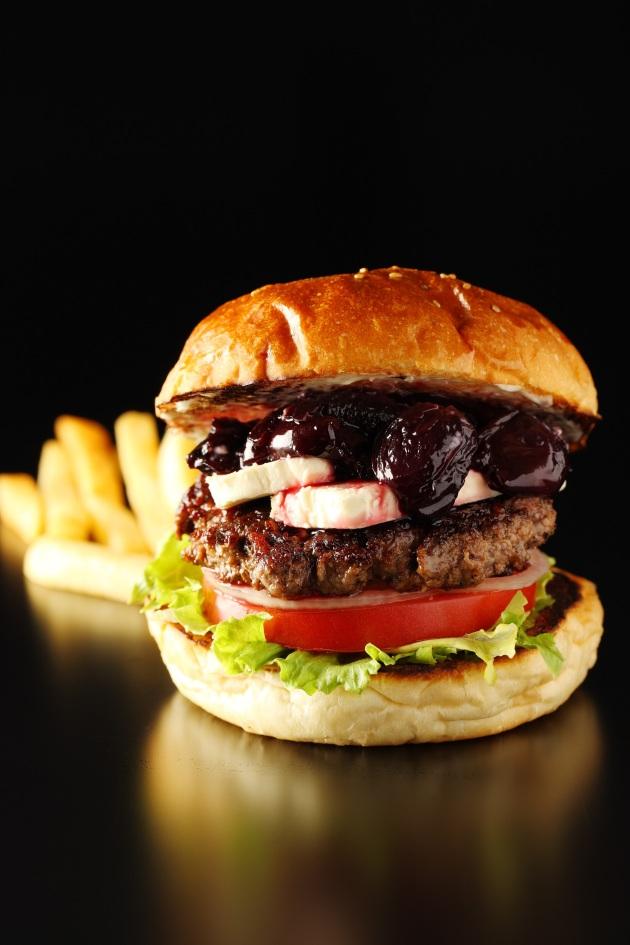 famous-cherry-burger-burger-mania-review-by-mandy-lynn-gourmet-adventures