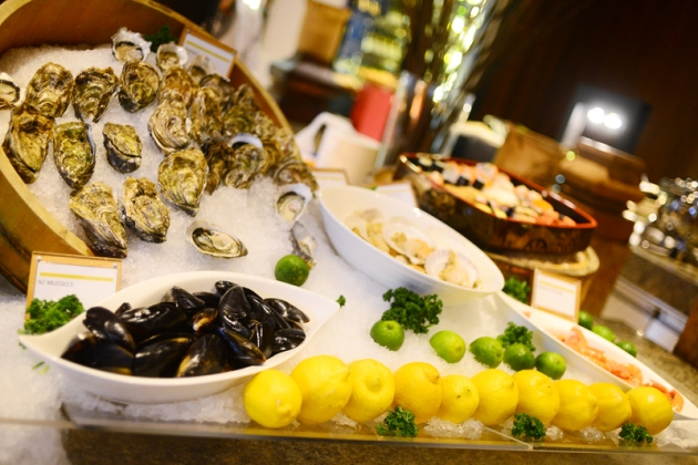 le-meridien-seafood-buffet-review-by-gourmet-adventures