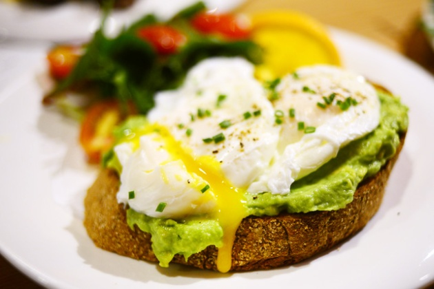 costa269-avocado-on-toast-review-by-gourmet-adventures